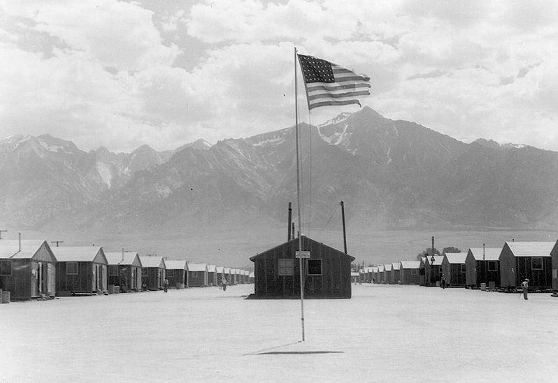 1942: se crean Campos de concentración para japoneses étnicos en EEUU.