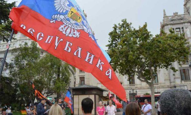 Valencia: Concentración en solidaridad con las repúblicas populares de Donetsk y Lugansk.