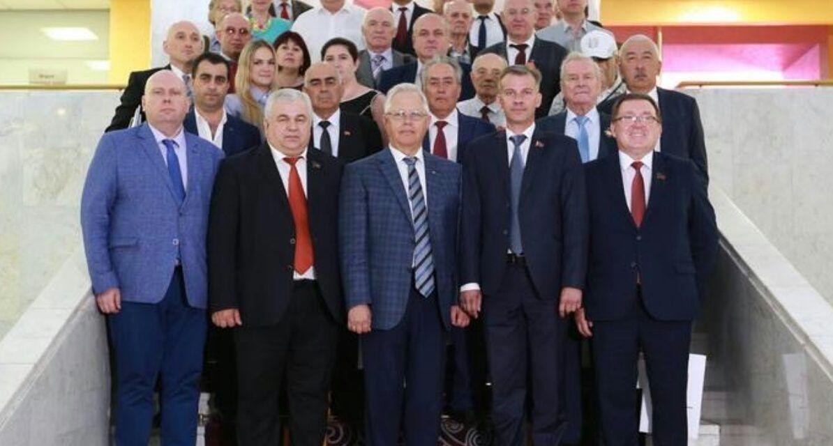 Comunistas de la DNR y Ucrania a favor de poner fin a la guerra en el Donbass