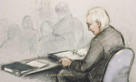 Reportaje// Tu Hombre en la sala del público- Extradición de Julian Assange